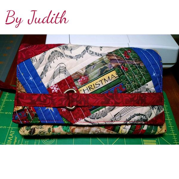 The Kiss Clutch by Judith