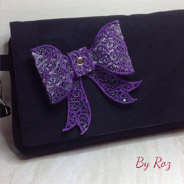 The Kiss Clutch by Roz